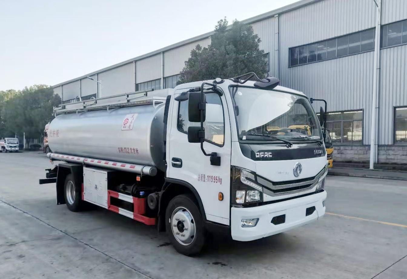 东风多利卡普通液体运输车,供液车
